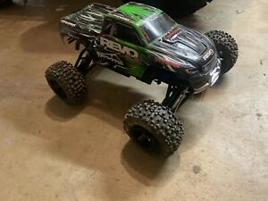Traxxas-revo-3-3-Rc-Monster-truck-With-Dynamite-19