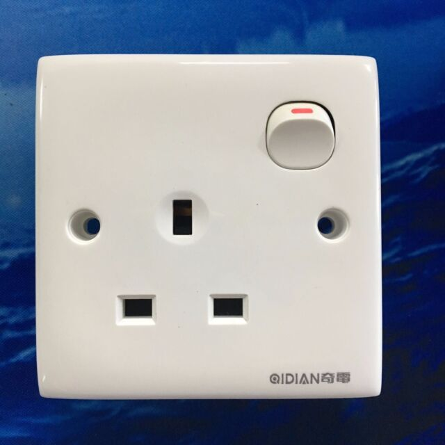 White Single Gang Switch 3 Pin UK Hong Kong Socket Wall Outlet Plate ...