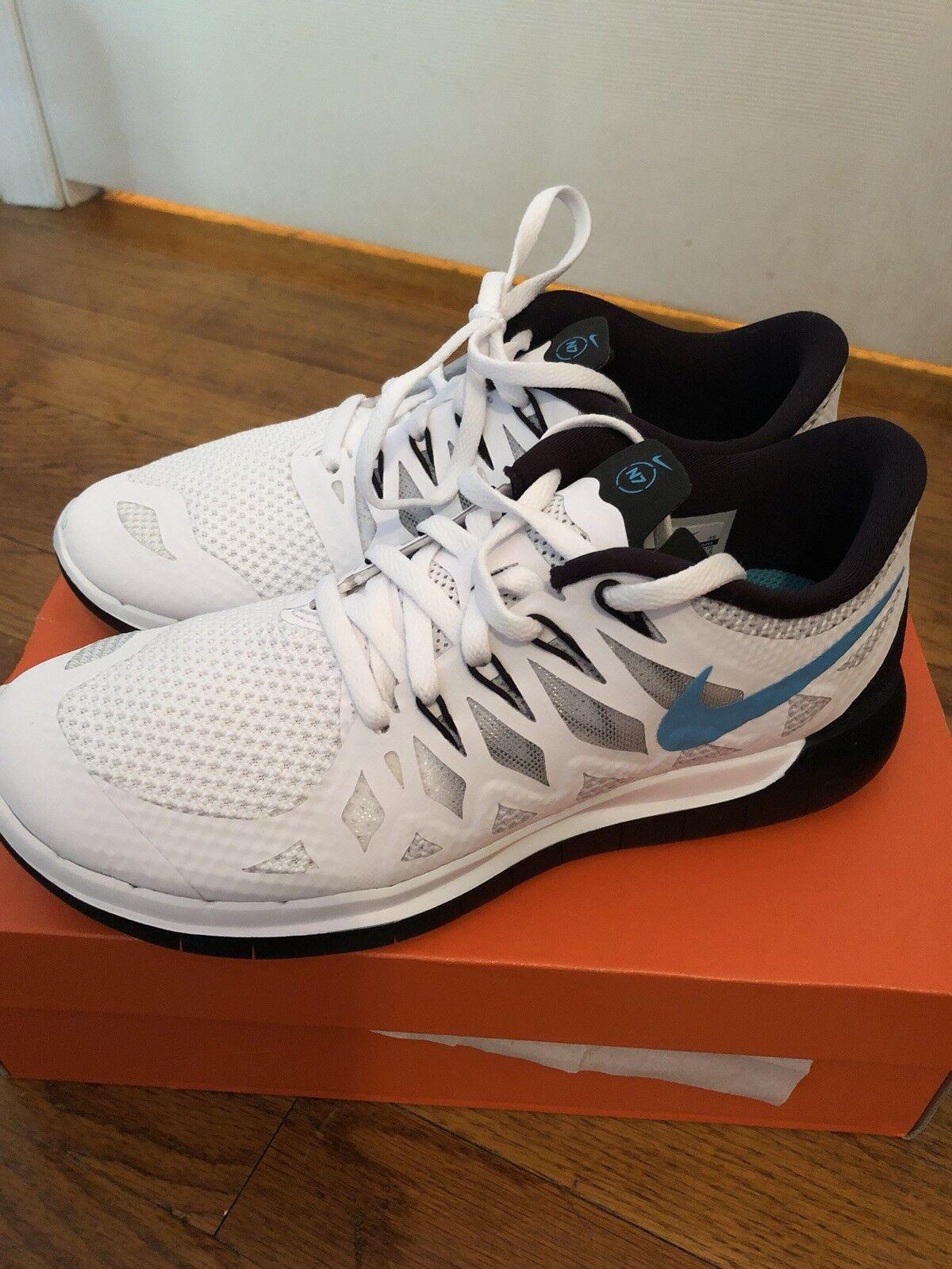 Nike Free Runs Size 7.5