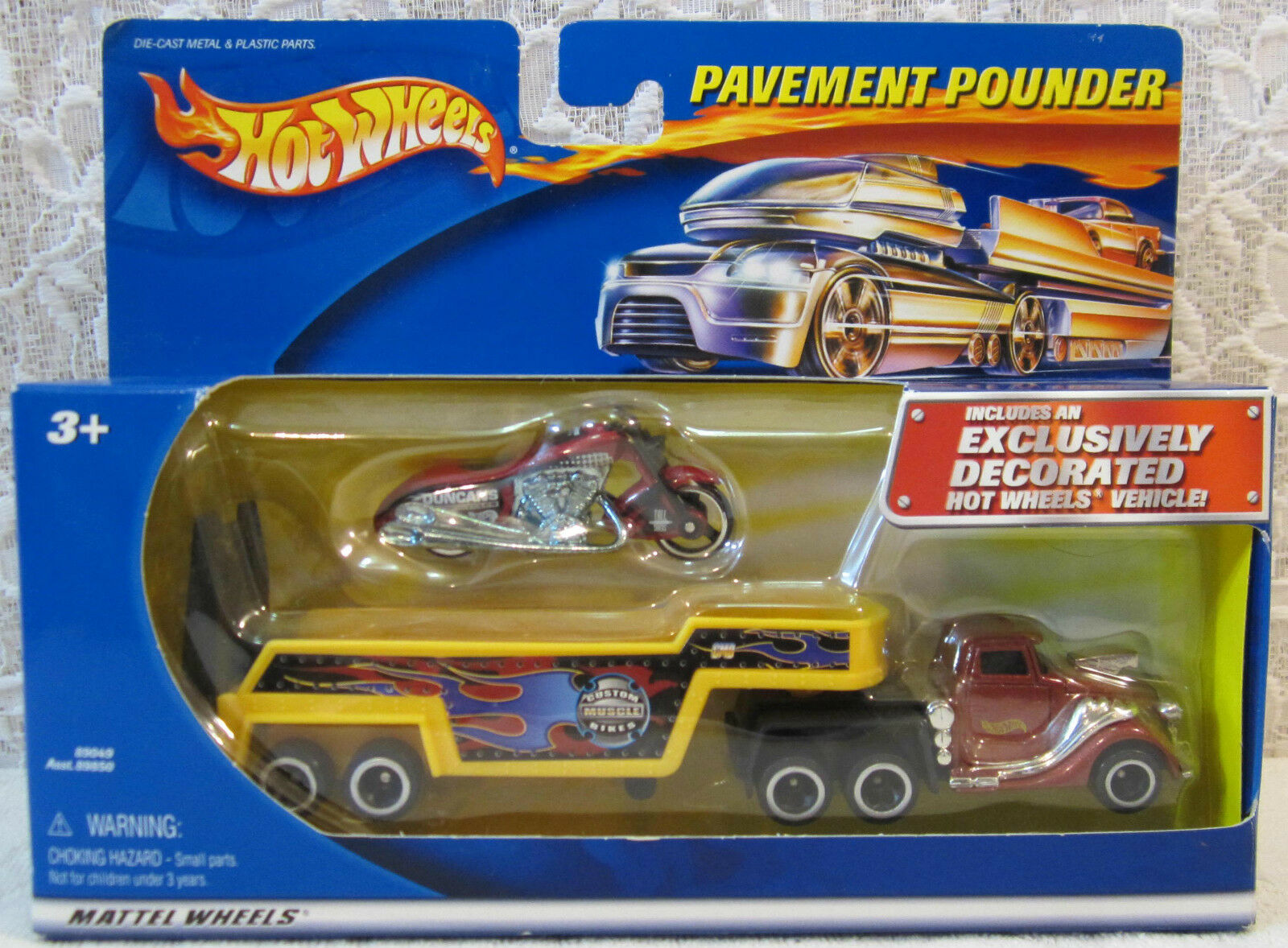 2001 Hot Wheels Pavement Pounder Exclusive Scorchin Scooter