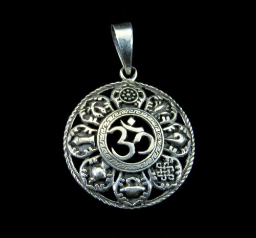 Handcrafted Solid 925 Sterling Silver OM//OHM//AUM /& Ashtamangala 8 Signs Pendant