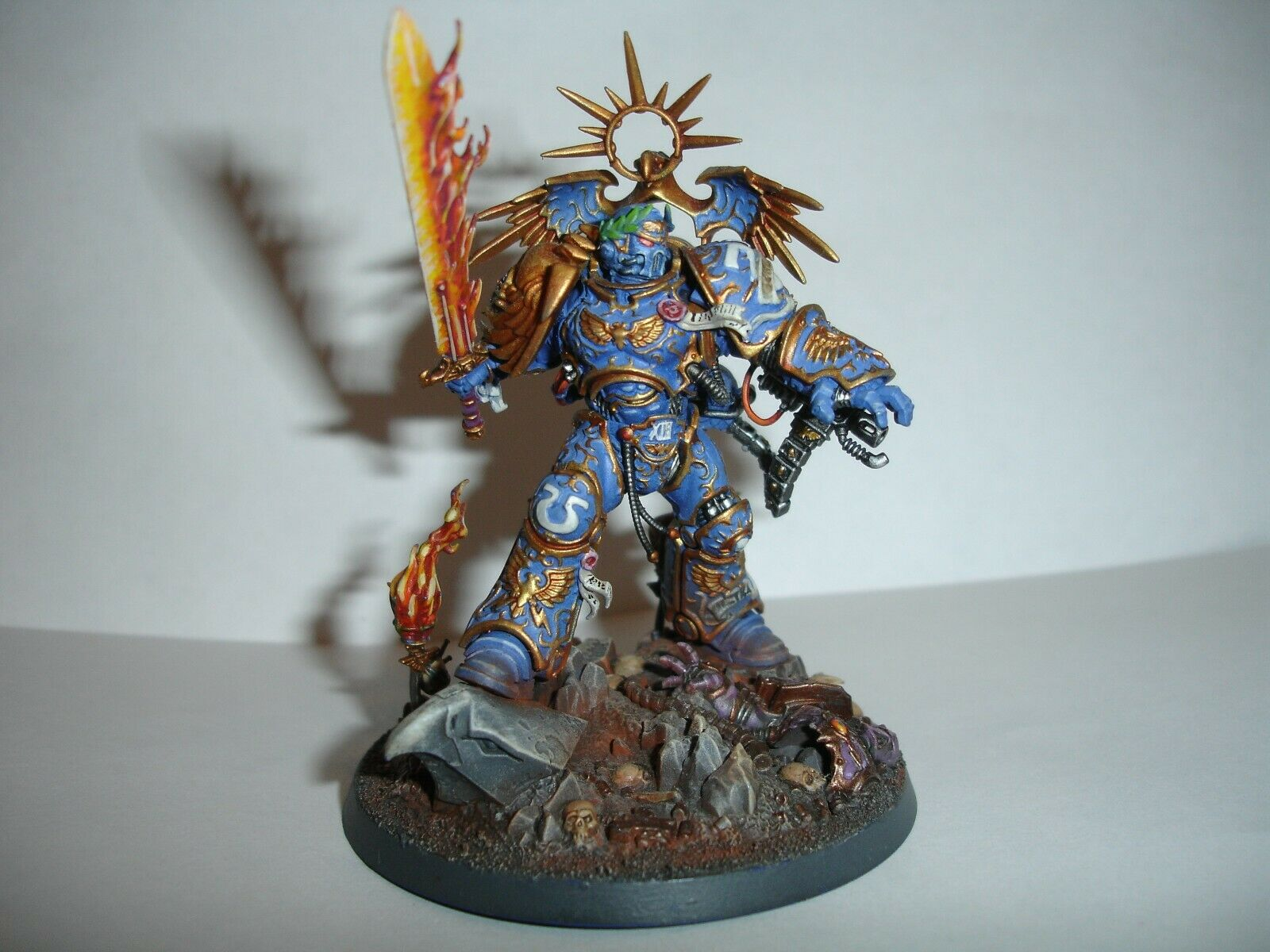 Warhammer 40k   Space Marines Roboute Guilliman painted