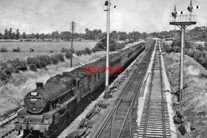 PHOTO  LMS JUBILEE 6P 460 NO 45597 BARBADOS AT STANDISH JUNCTION 1951 - Tadley, United Kingdom - PHOTO  LMS JUBILEE 6P 460 NO 45597 BARBADOS AT STANDISH JUNCTION 1951 - Tadley, United Kingdom