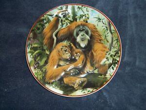 034-Vintage-1984-Heinrich-Villeroy-amp-Boch-3D-Orang-Utan-Collector-Plate-034