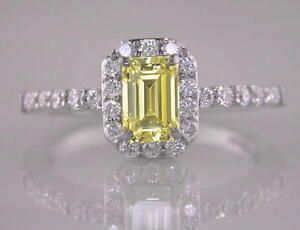Diamond-Ring-Emerald-Cut-Natural-Fancy-Yellow-1-32ct-GIA-Certificated