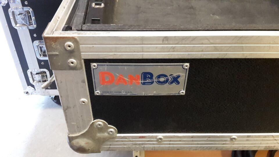 Flight CASE, DanBox Mixer Case