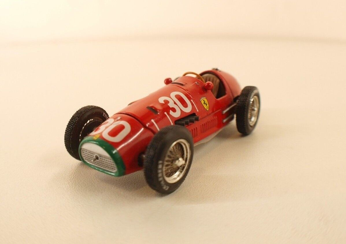 Ferrari 500 F2 No. 30 GP Switzerland 1952 Set Mounted on Base Quartzo 1 43
