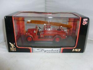 SIGNATURE SERIES DIECAST FIRE ENGINE 1934 LEYLAND FK-1