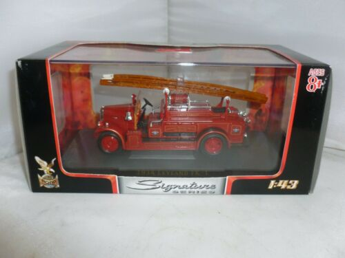 SIGNATURE SERIES DIECAST FIRE ENGINE 1934 LEYLAND FK-1