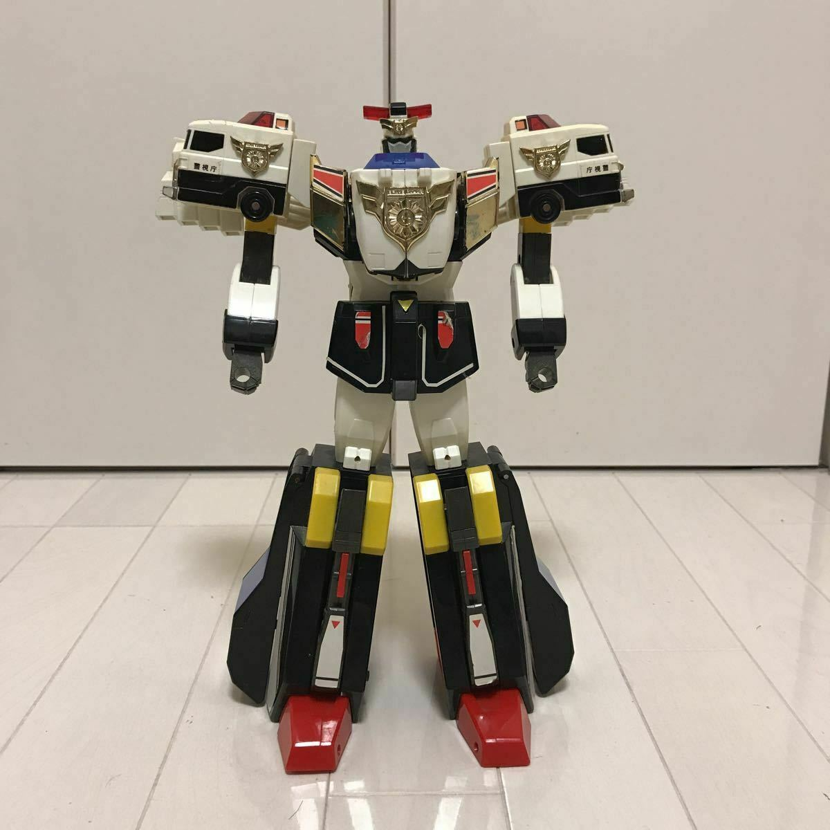 Brave Police J-Decker Transformers Toy robot hero DX police union at that time