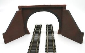 2 X Detailed Model Railway Double Track Tunnel Entrance For Ho / Oo New 01 Surface LustréE