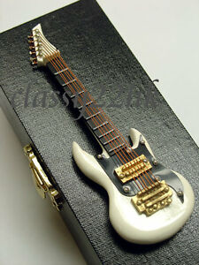 4in Mini Miniature WHITE Electric Guitar with 4.5in BLACK CASE  for Dollhouse