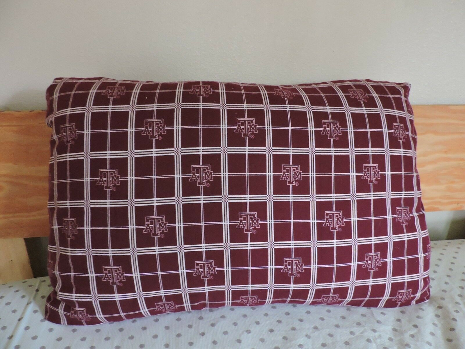 A&M College Queen Size Pillow Cover (case) (30 by 20) w  Velcro Envelope Closure