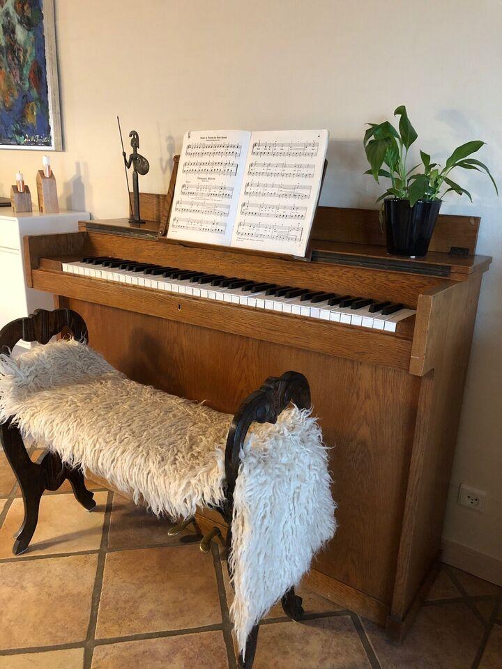 Pianette, Hornung & Møller