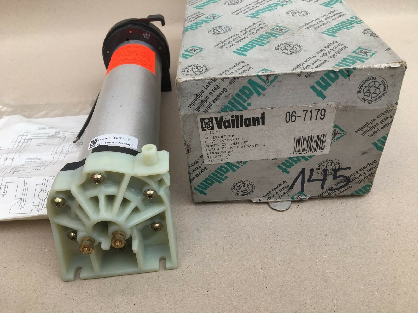 Vaillant Heizkörper 0671-79   18kw 18kw 18kw  Nr. 145 8a5261