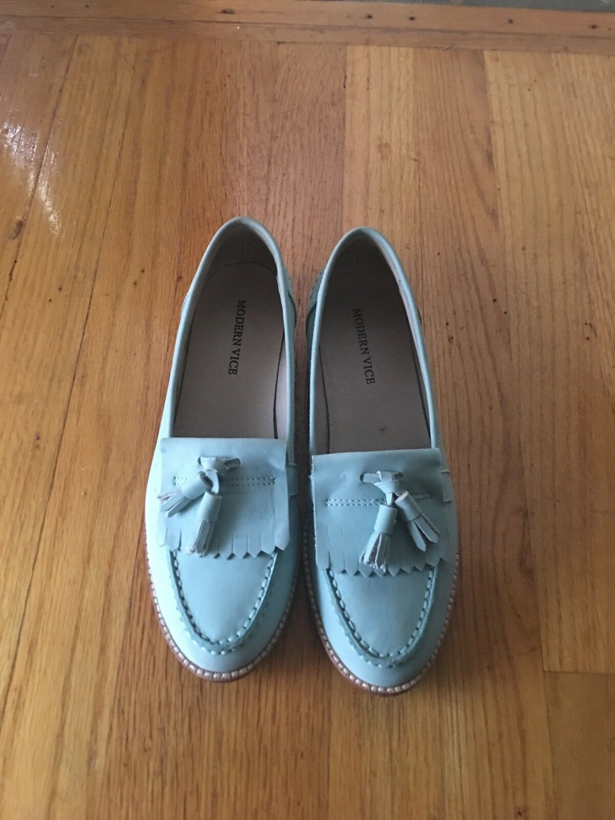 NWB MODERN VICE Light bluee loafers with tassel