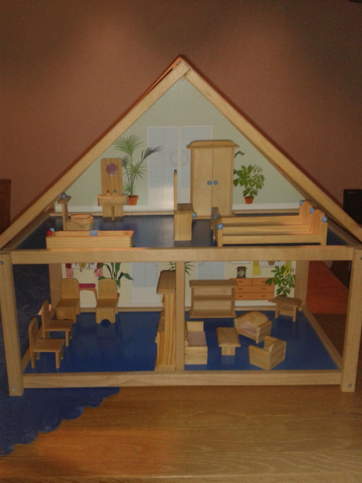 Holz Puppenhaus mit viel Zubehör/Möbel...Sehr gut erhalten
