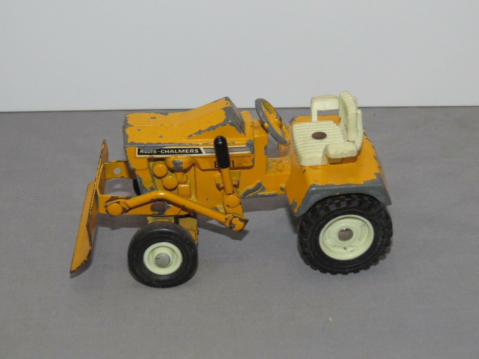 Vintage Ertl Allis Chalmers B-112 Lawn & Garden Toy Tractor 1 16 Original NICE