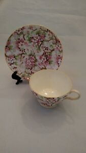 Shelley-Maytime-Chintz-Peach-Trim-China-Teacup-amp-Saucer