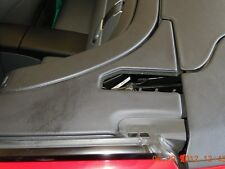 INTERNATIONAL - REPAIR KIT MERCEDES-BENZ R230 SL REAR EDGE COVER TRIM PANEL FLAP