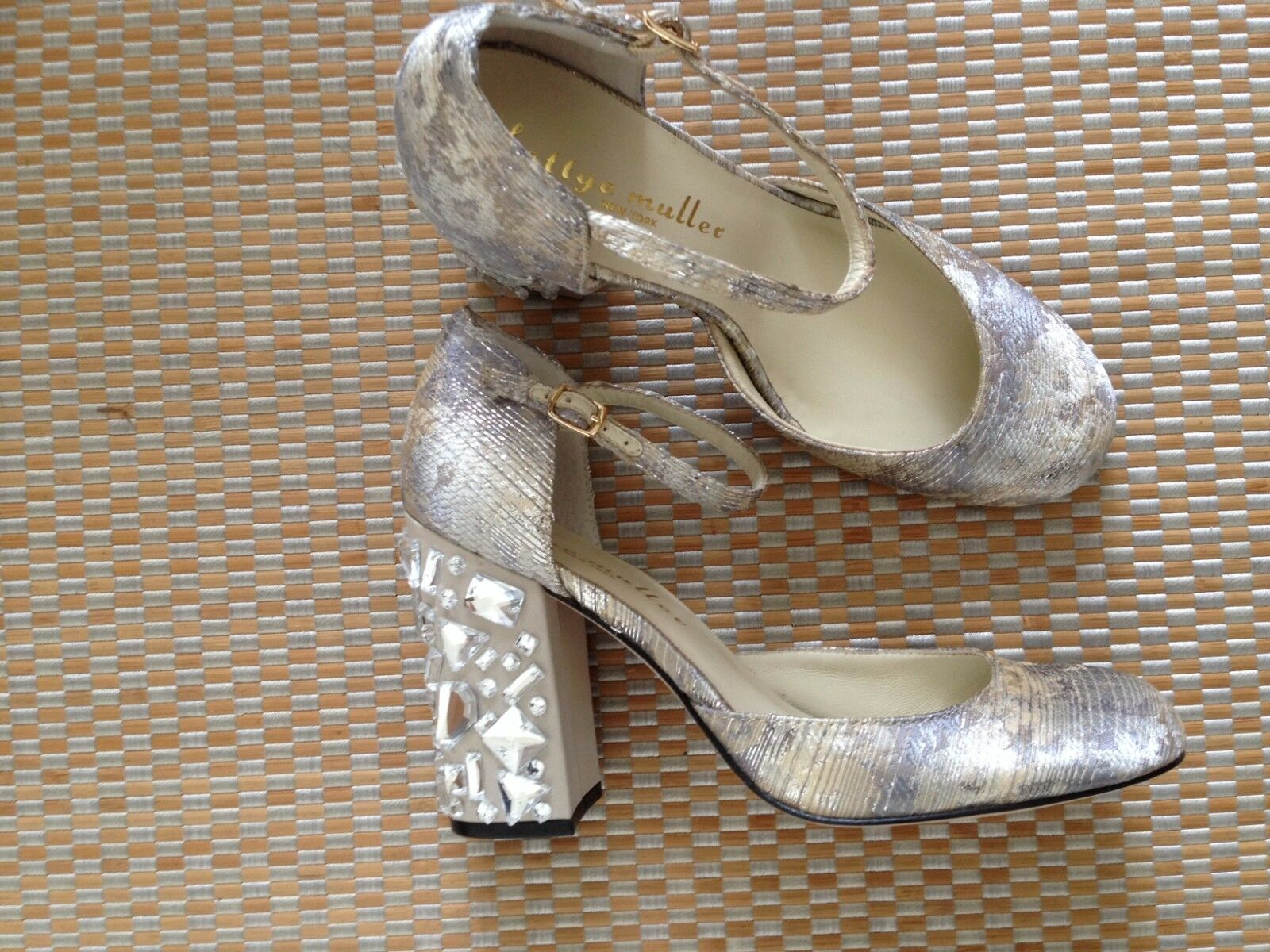 1c241e049 ... Bettye Muller New York Bejeweled Bejeweled Bejeweled Brocade shoes Sz.  9M 95df6a ...