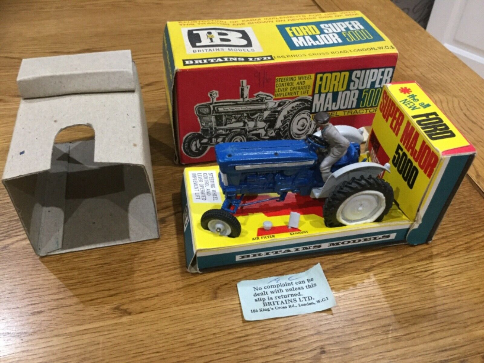 Britains 9527 Ford Super Major 5000 Diesel Tractor scatolaed Superb