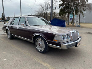 1986 Lincoln Continental Mint!  70,000 Original Kms