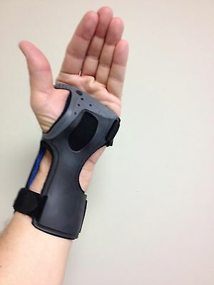 Ossur Exoform Wrist Brace Support for Capal Tunnel, Stability & Arthritis