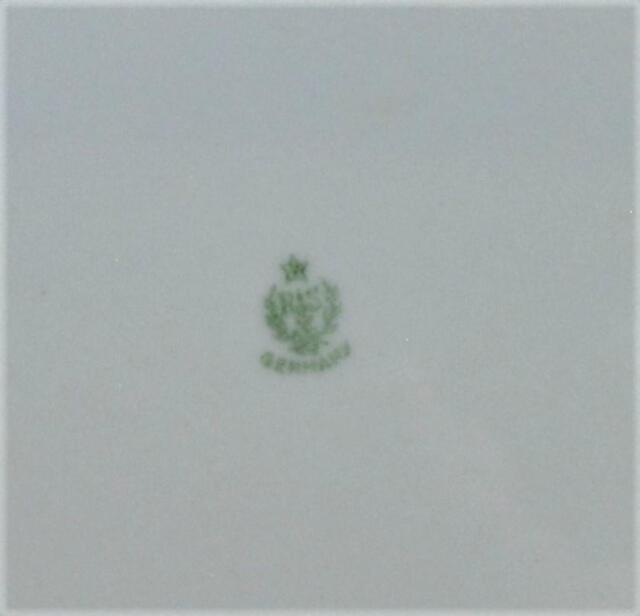 749 Prima weiß v Königskuchenplatte 36x15 Thomas
