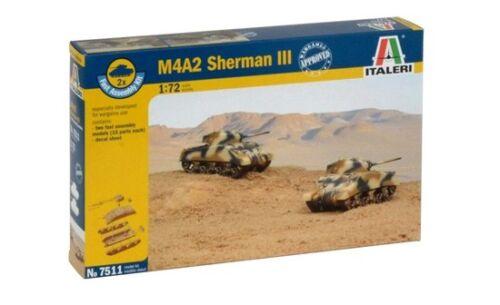 Enthält 2 Modelle Italeri 7511-1//72 M4A2 Sherman III Neu