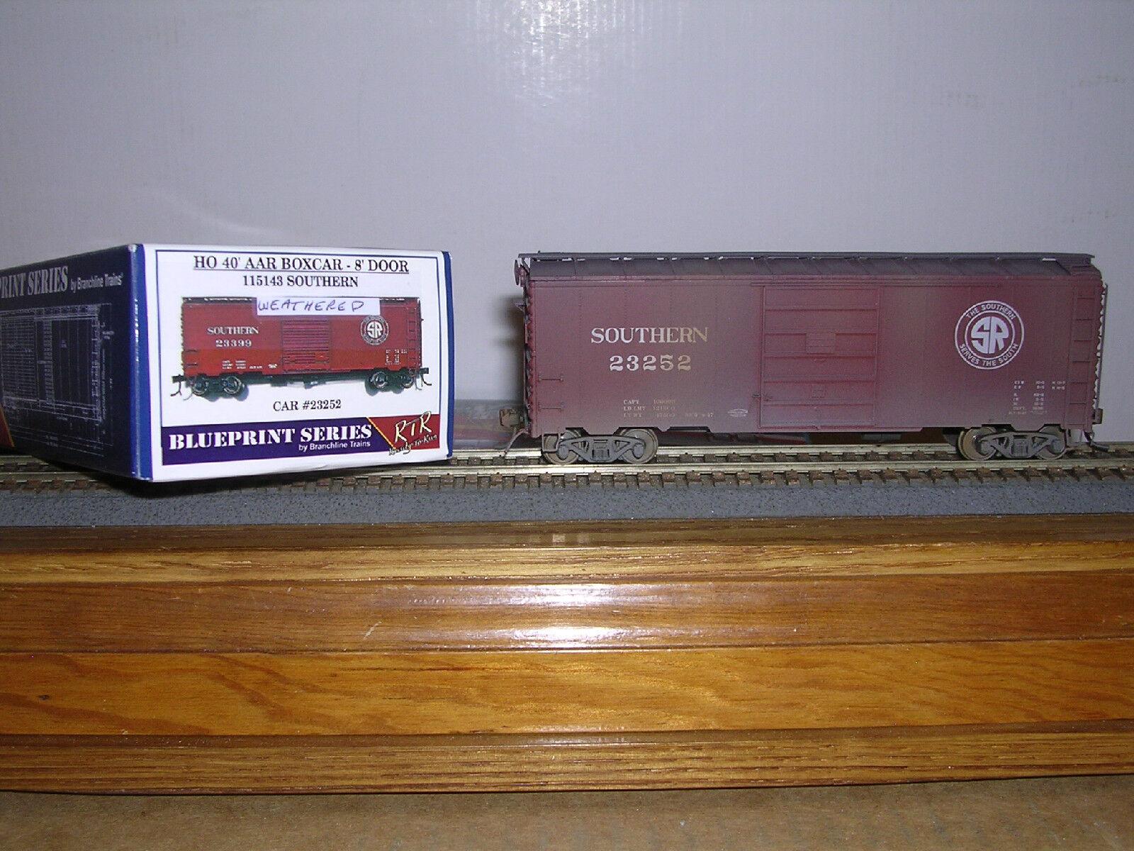 BRANCHLINE Southern 40' AAR Box Car w 8' Doors Weath. H.O. 1 87