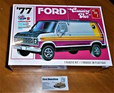 1975 Chevy Rescue Van rot 1:25 AMT Model Kit Bausatz AMT851 Chevrolet red