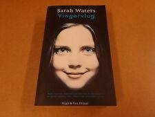 BOEK / SARAH WATERS - VINGERVLUG