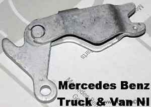 how to use mercedes b200 hand break