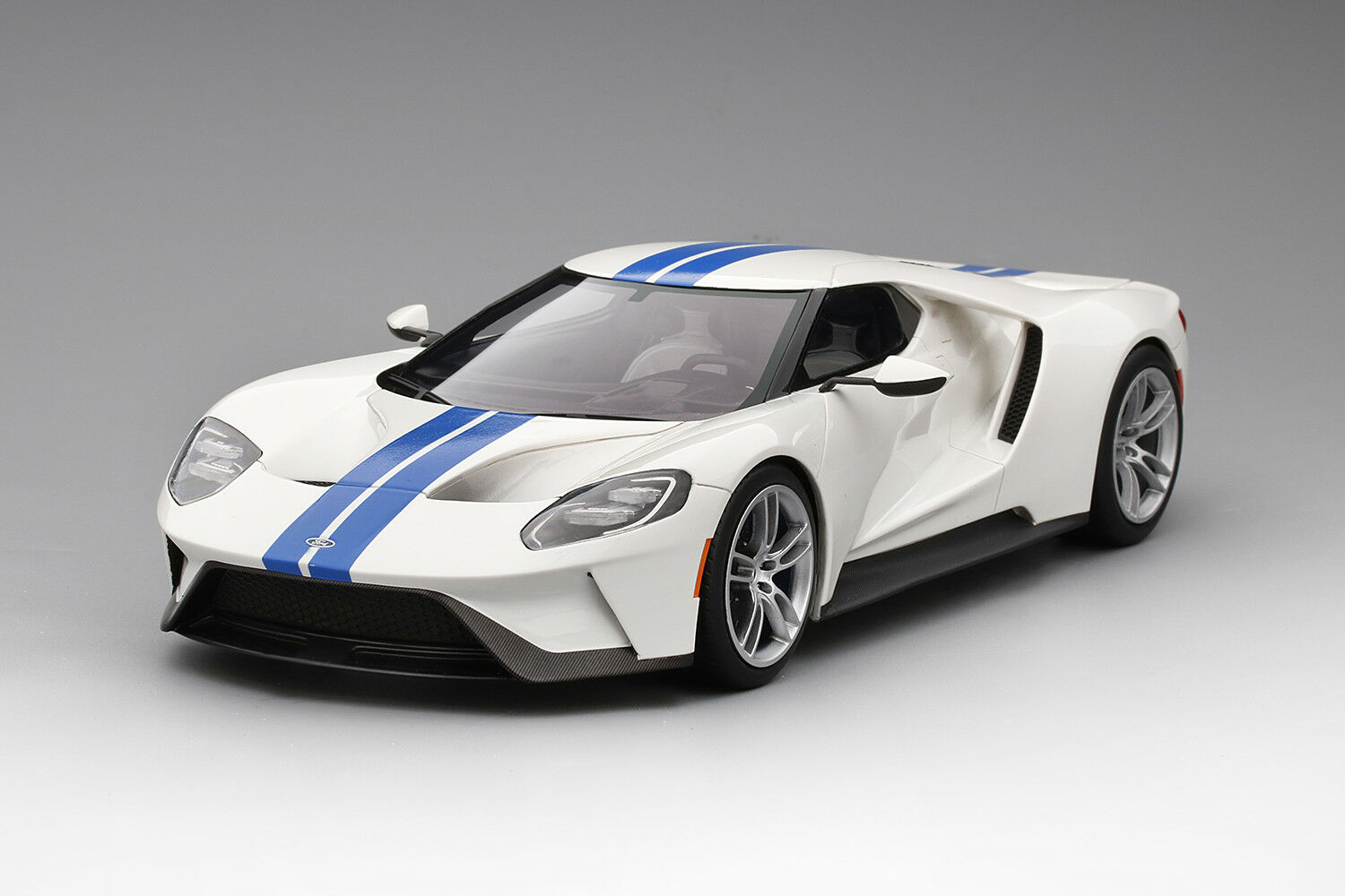 Top Speed Ford GT Frozen Blanco - Lightning Azul Stripe 1/18