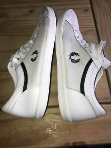 Fred-Perry-Homme-Royaume-Uni-10-9-5-Blanc-Textile-Lthr-Lacets-Sneaker-Cour-Chaussures-Bri