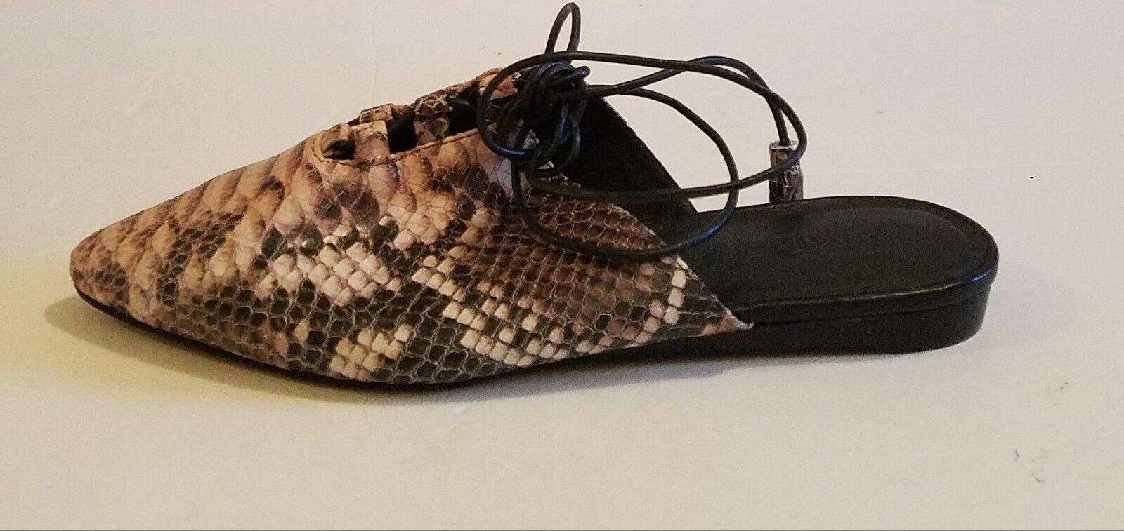 i nuovi marchi outlet online M4D3 Della Dusty rosa rosa rosa Snakeskin Embossed leather Ankle Wrap Flat Mule sz 6  autorizzazione ufficiale
