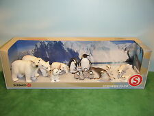 SCHLEICH ARCTIC SCENERY PACK PLUS 5 EXTRA FAMILY FIGURES