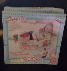 new baby annabell doll changing bag by zapf toys r us exclusive ebay. Black Bedroom Furniture Sets. Home Design Ideas