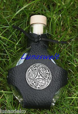 Glas-Feldflasche in Kugelform f/ür 0,2 l Inhalt mit einem eleganten wie praktischen Flaschen-Halter aus schwarzem Leder