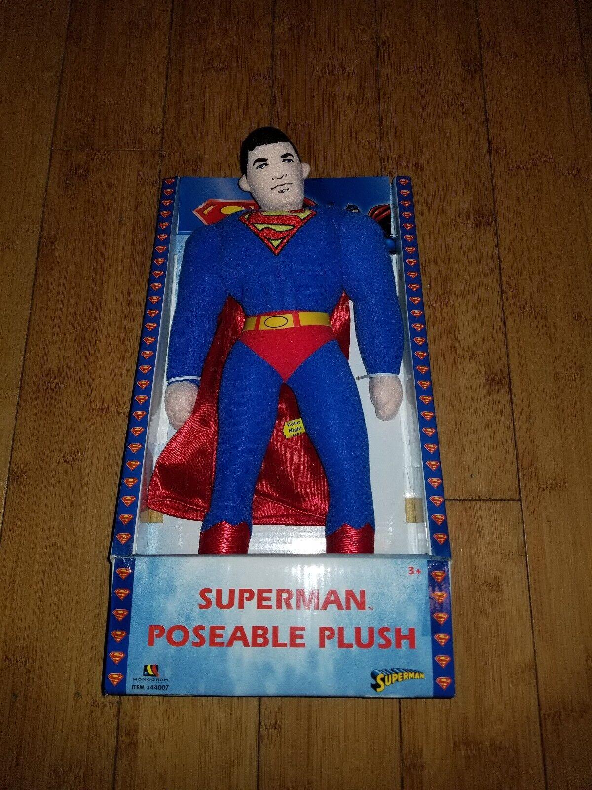 SUPERMAN POSEABLE 14
