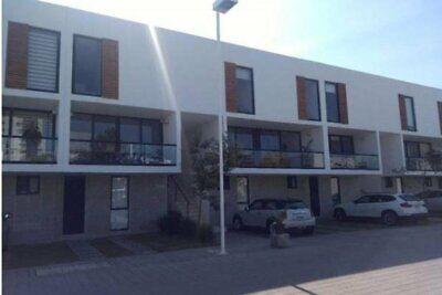 RENTA Departamento AMUEBLADO o SIN AMUEBLAR, dentro de gran condominio en Santa Fe, Juriquillauil