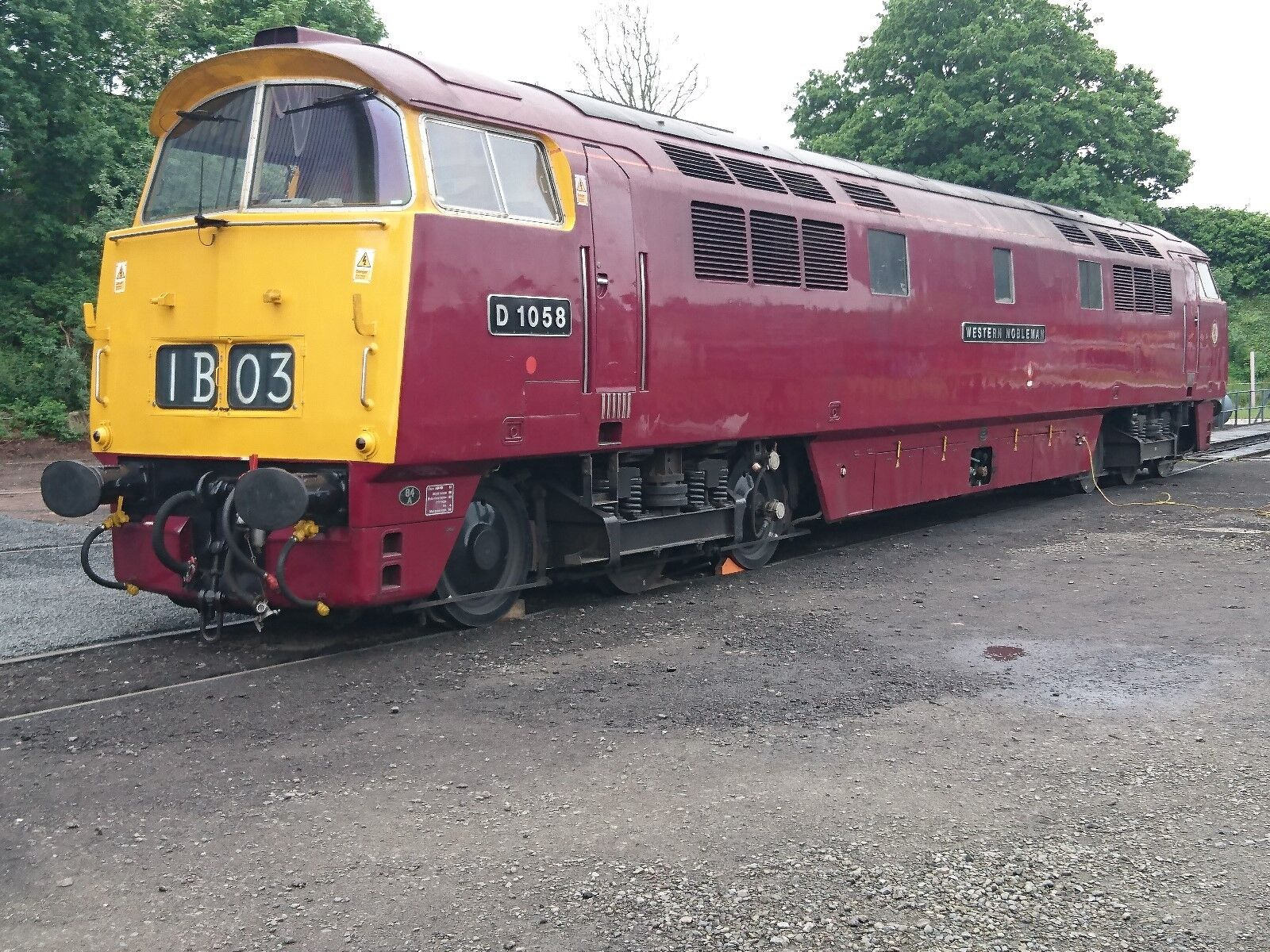 Loksound V5 DCC Sound Decoder with Class 52 Diesel Loco sounds pre-loaded