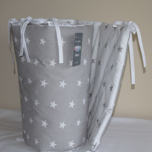 NEW 100/% COTTON Cot Bed Bumper Simply Grey /&White Stars Girls Boys
