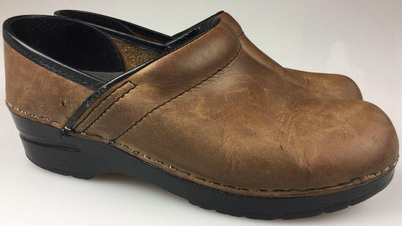 Women's Dansko Brown Oiled Leather Slip On Professional Clogs Sz (US 7.5)