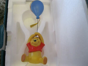 1997-WDCC-EVENT-Ornament-UP-TO-THE-HONEY-TREE-Winnie-the-Pooh-Disney-Collectors