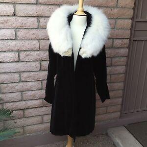 VTG-Black-Velvet-Coat-Above-Knee-Open-White-Fur-Collar-The-Gidding-Co-Cincinnati