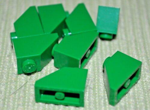 8 1x2 Green Standard Slope Bricks ~ Lego  ~ NEW ~ Castle