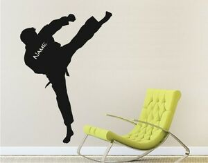 Wandtattoo-Wall-Decal-Sticker-Karate-KungFu-SPORT-Kampfsport-Kaempfer-mit-Name-01