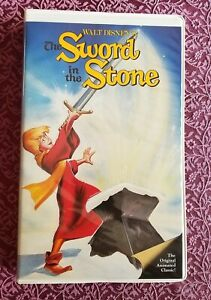 DISNEY The Sword in the Stone VHS Black Diamond Classic Red Label Edition 1986